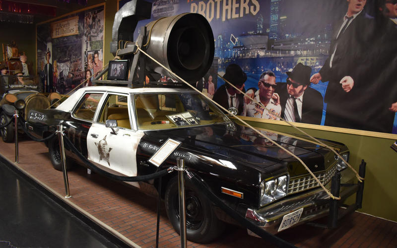 Dodge Monaco Bluesmobile